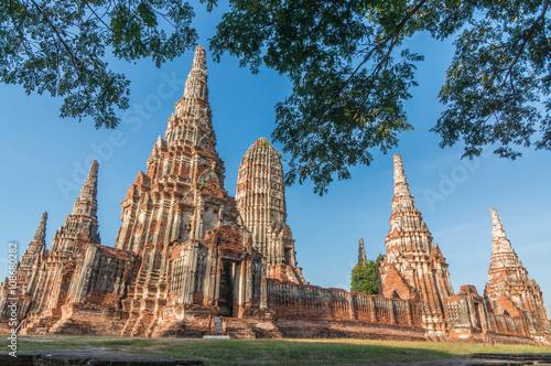 Photo Old Temple wat Chaiwatthanaram of Ayuthaya Province( Ayutthaya Historical Park )