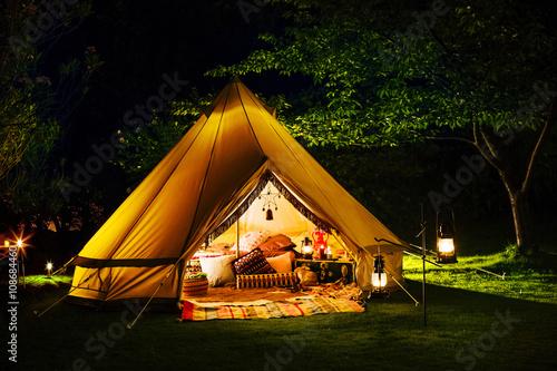 Printed kitchen splashbacks Camping キャンプのある風景