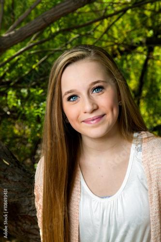 Valokuva  Blond Blue Eyed Teen