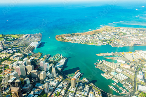 Absolutely stunning aerial view of the Honolulu city from a jet plane right next Wallpaper Mural