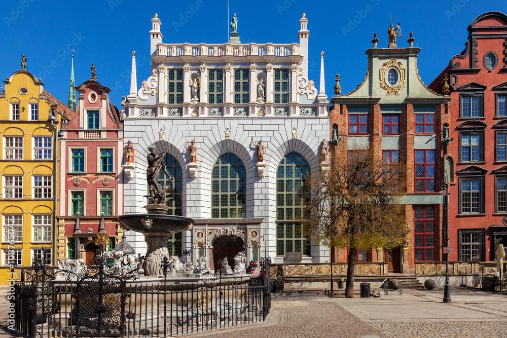 Fototapety, obrazy: Dwór Artusa z fontanną Neptuna w Gdańsku