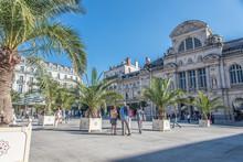 Place Du Ralliement Et Théât...