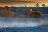 Wiosenny Świt Nad Jeziorem - 108797421