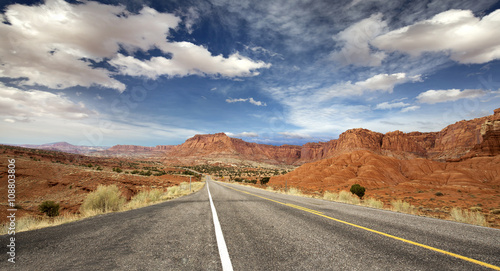 Foto auf Leinwand Naturpark panoramic highway in Capitol Reef National Park