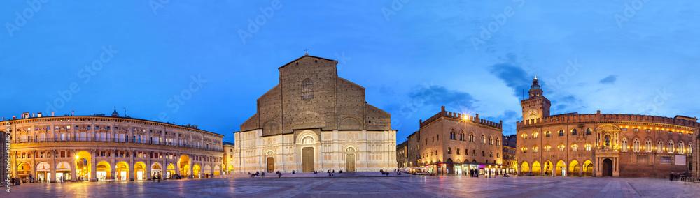 Fototapety, obrazy: Evening panorama of Piazza Maggiore, Bologna