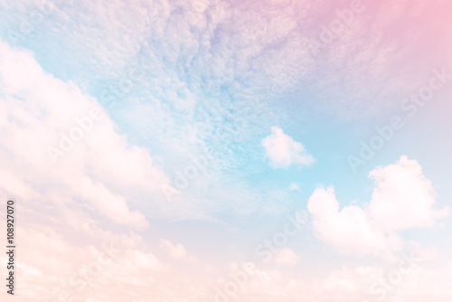 Juliste  Sky with a pastel colored gradient