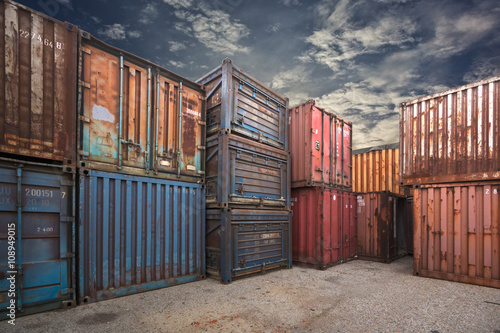 Photo Stands Ship Containers