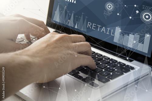 Fotografía  retail techie working