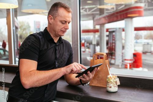 Obraz na plátně  Man At Cafe
