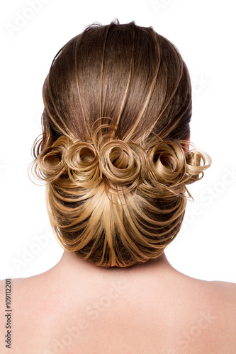 Foto op Plexiglas Kapsalon Beautiful bride with fashion wedding hairstyle - on white background