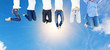 Leinwandbild Motiv Glückliche Frauen beim Luftsprung