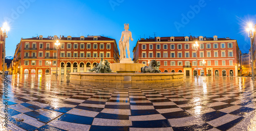 Photo sur Toile Nice The Soleil Fountain Nice France