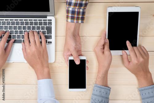 スマートフォン タブレット ノートパソコン