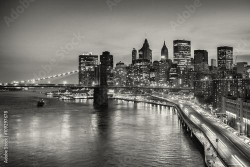 dlugi-ujawnienie-most-brooklynski-i-w-centrum-manhattan-w-miasto-nowy-jork-w