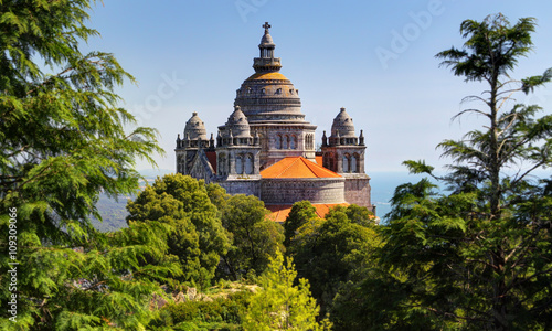Photo Basilica de Santa Luzia at Monte Santa Luzia near Viana do Castelo, Portugal