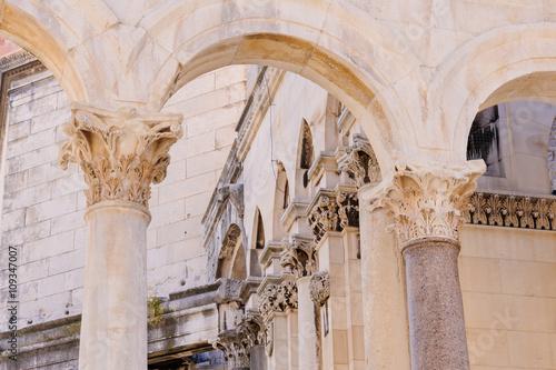 Papel de parede Split, Croatia Peristyle columns
