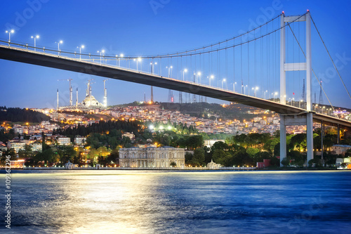 Valokuva Bosphorus Bridge at night with moon path