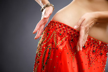 Beautiful Belly Dancer Young W...
