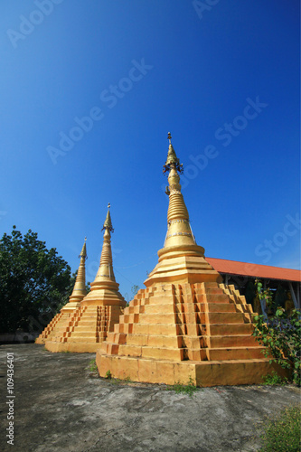 Poster Oude gebouw Ancient Pagoda at Temple, Thailand