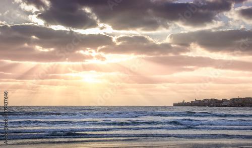 Photo sunset over the Mediterranean sea near Acre