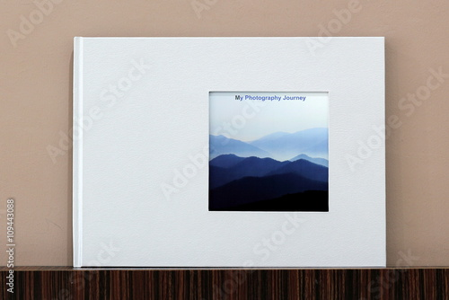 Fotografering  My Travel Landscape Photobook with Minimalist Cover