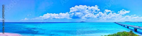 Staande foto Zee / Oceaan 宮古島 池間島から見た池間大橋と大神島