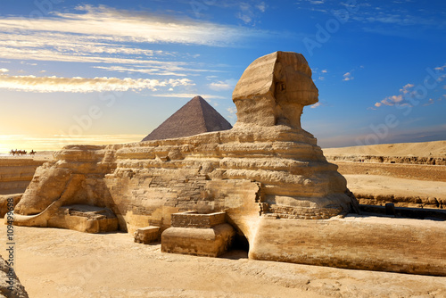 Photo  Famous egyptian sphinx
