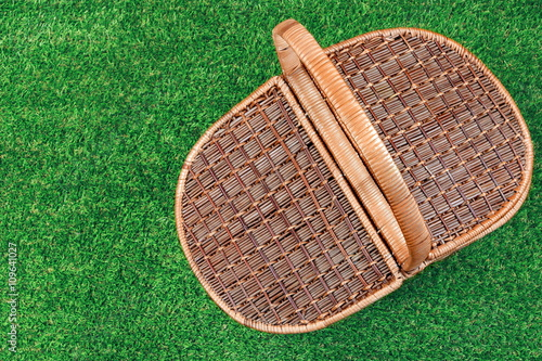 Spoed Foto op Canvas Picknick Picnic Basket On The Summer Lawn, Top View