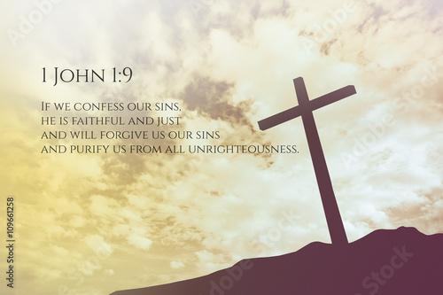 1-jana-1-9-vintage-bible-verse-tlo-na-jednym-krzyzu-na-wzgorzu