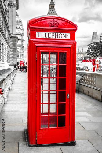 Papiers peints Rouge, noir, blanc London telefonzelle