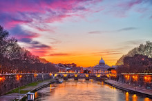 Night View Of Tiber River In R...
