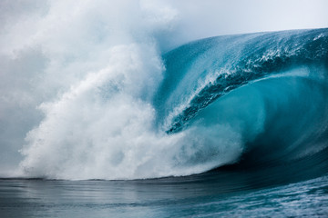Obraz na SzkleClose-up of wave breaking over reef, Tahiti, French Polynesia