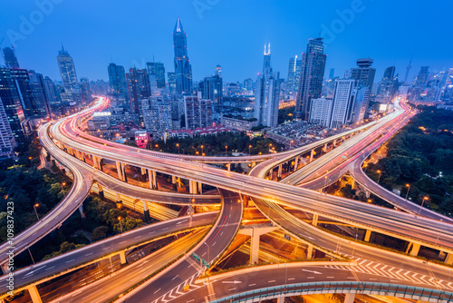 Foto op Aluminium Shanghai Aerial view of a highway overpass at night in Shanghai - China.