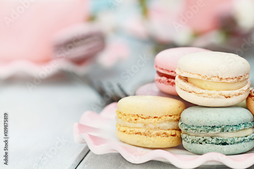 Photo sur Aluminium Macarons Sweet Pastel Colored Macarons