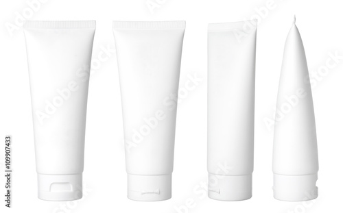 Foto Blank white cosmetic tube isolated on white background