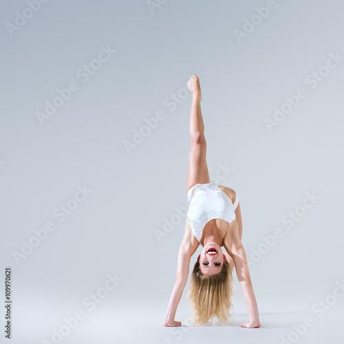 fototapeta na szkło Ballet dancer