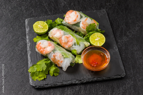 ベトナム風生春巻き  Salad spring roll of Asian wind prawns Billede på lærred