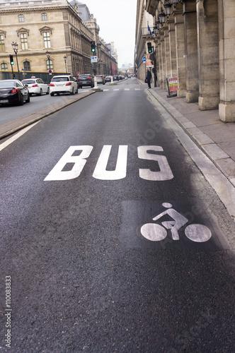 obraz PCV Voie de bus et de vélo, Paris, France