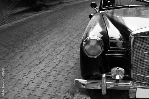 Obraz na plátne  Headlight lamp classic car - black and white color effect style