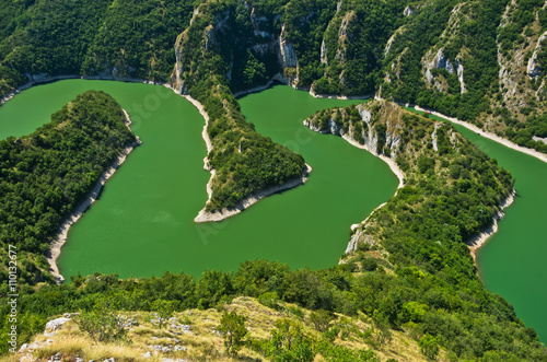 Foto op Aluminium Rivier Meanders at rocky river Uvac gorge on sunny morning, southwest Serbia