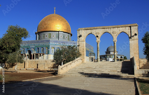 Fotografie, Obraz  South side of the Dome of the Rock with the Dome of the Chain on the right