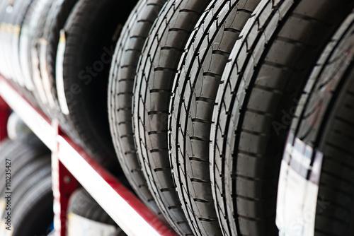Fotografia rack of new tires