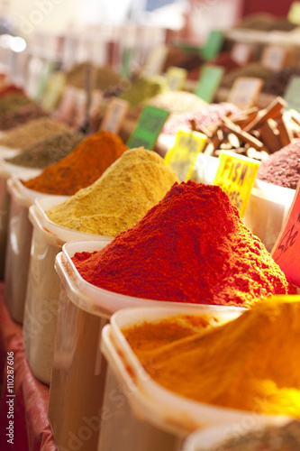 Staande foto India Spices in a market