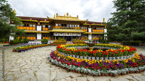 Canvas Print Norbulingka summer palace in Lhasa, Tibet
