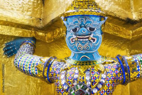 Photo  Guardian demon at Wat Phra Kaew temple, Grand Palace, Bangkok, Thailand
