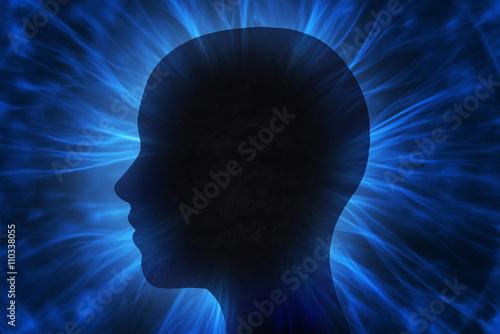 Fotografía  Cabeza humana con rayos de energía cósmica