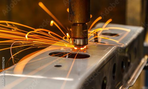 Poster de jardin Metal Industrial, automotive spot welding in factory