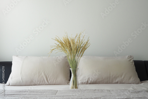 Foto auf Gartenposter Huhn rice tree in glasses vase on bed.