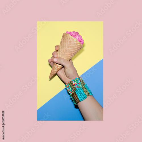 Papiers peints Cactus Sweet stylish accessories. Bracelets. Minimalism fashion.