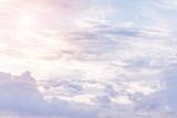 słońce i chmura tła w pastelowych kolorach - 110585069